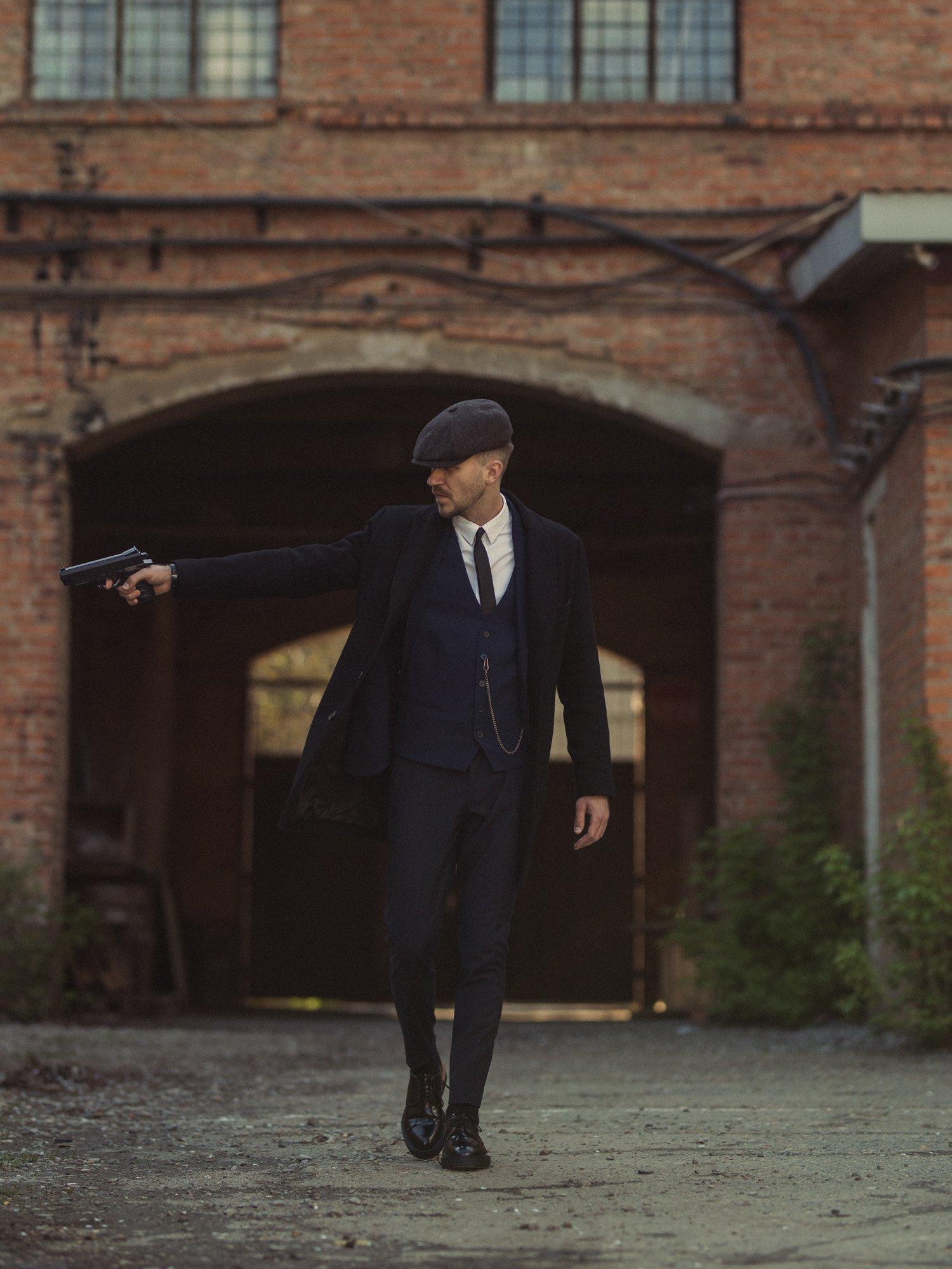 кадр из фильма острые козырьки, постановочное фото, мужчина, портрет, кепки, кино, фильм, сериал, винтаж, Дугина Кристина