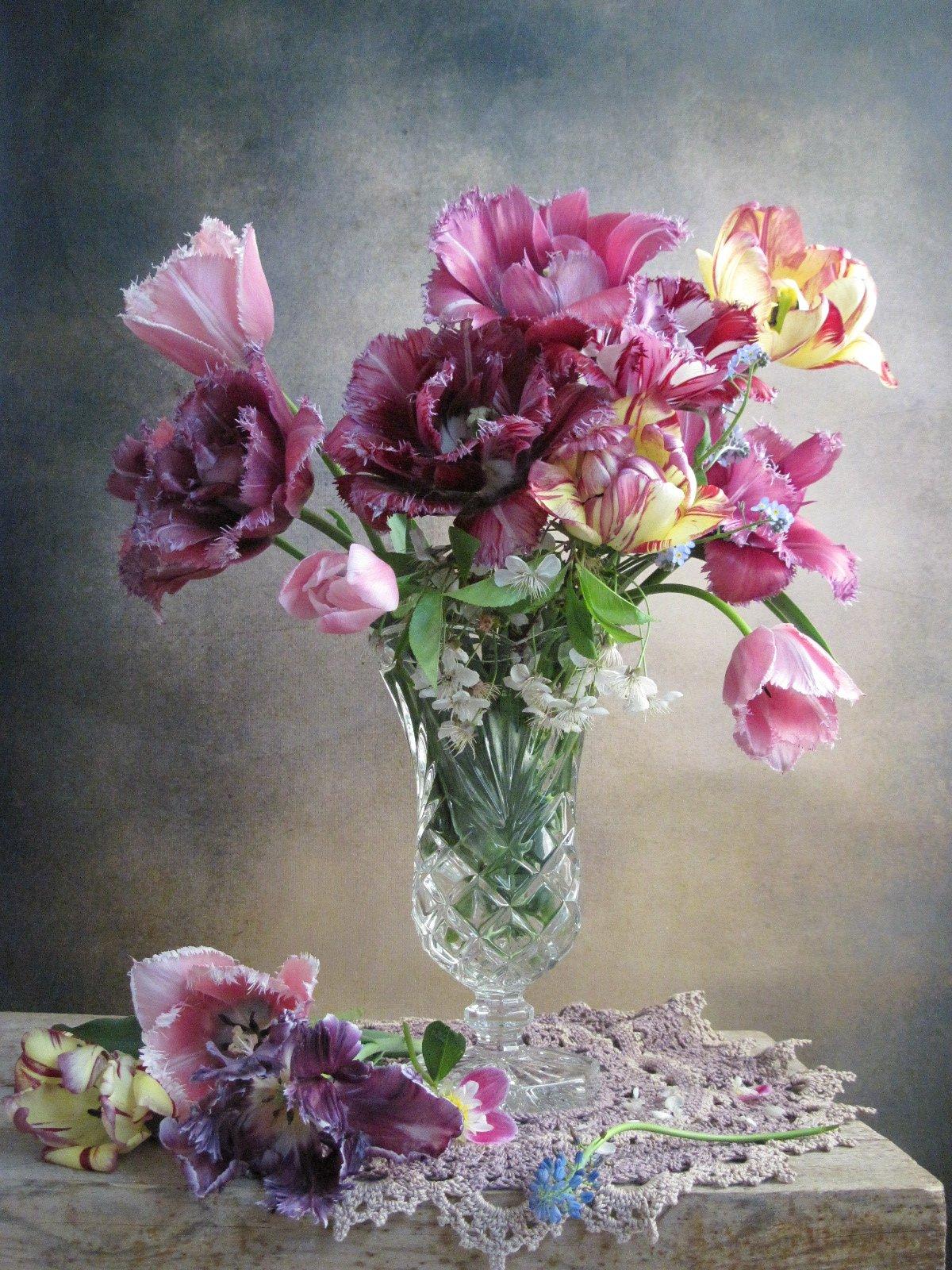 цветы, букет,, тюльпаны, вишня, ваза, хрусталь, салфетка, Тихомирова Наталия