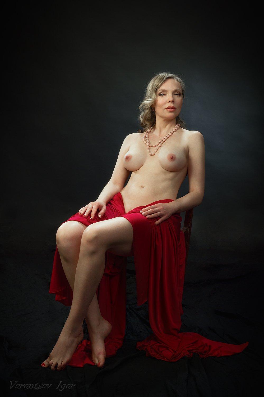 ню, девушка, грудь, обнажённая, красивая, стул,фон, картина, Воронцов Игорь