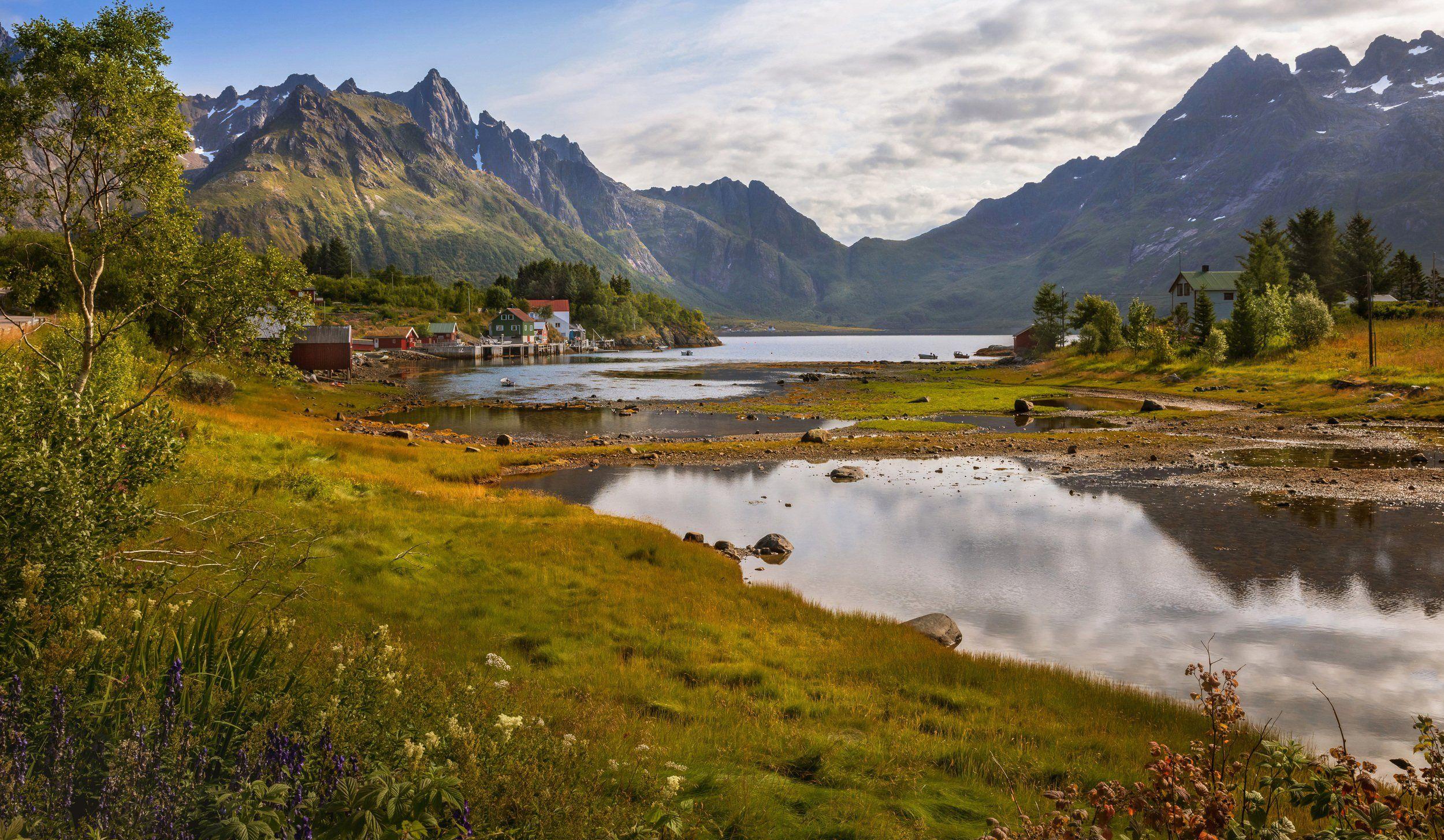 норвегия, лофотены, озеро, домики, горы, лодки, камни, трава, Марат Макс.