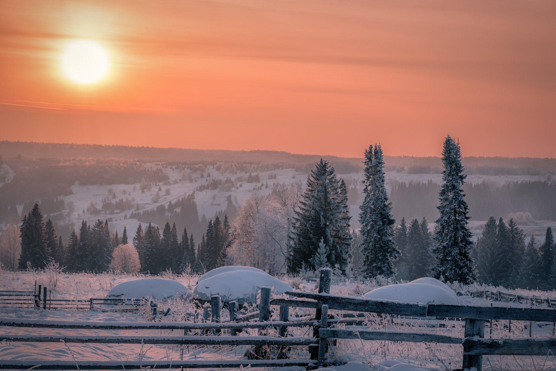 деревня, вечер, закат, мороз, зима, долина, чусовая, лес, поле, пейзаж, пермь, Андрей Чиж