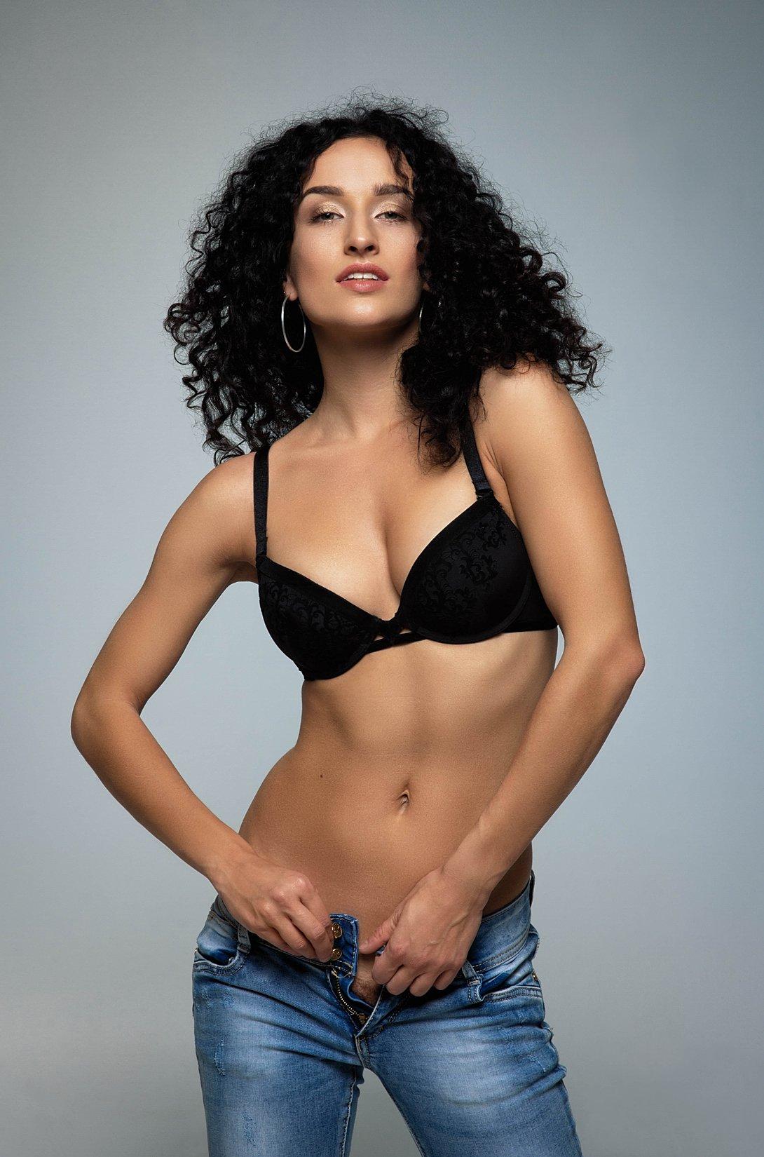 model, fine art, sexy, sensual, colour, woman, female, body, erotica, glamour, curves, portrait, beautiful, fashion, red lips, lingerie, fashion,, Lajos Csáki