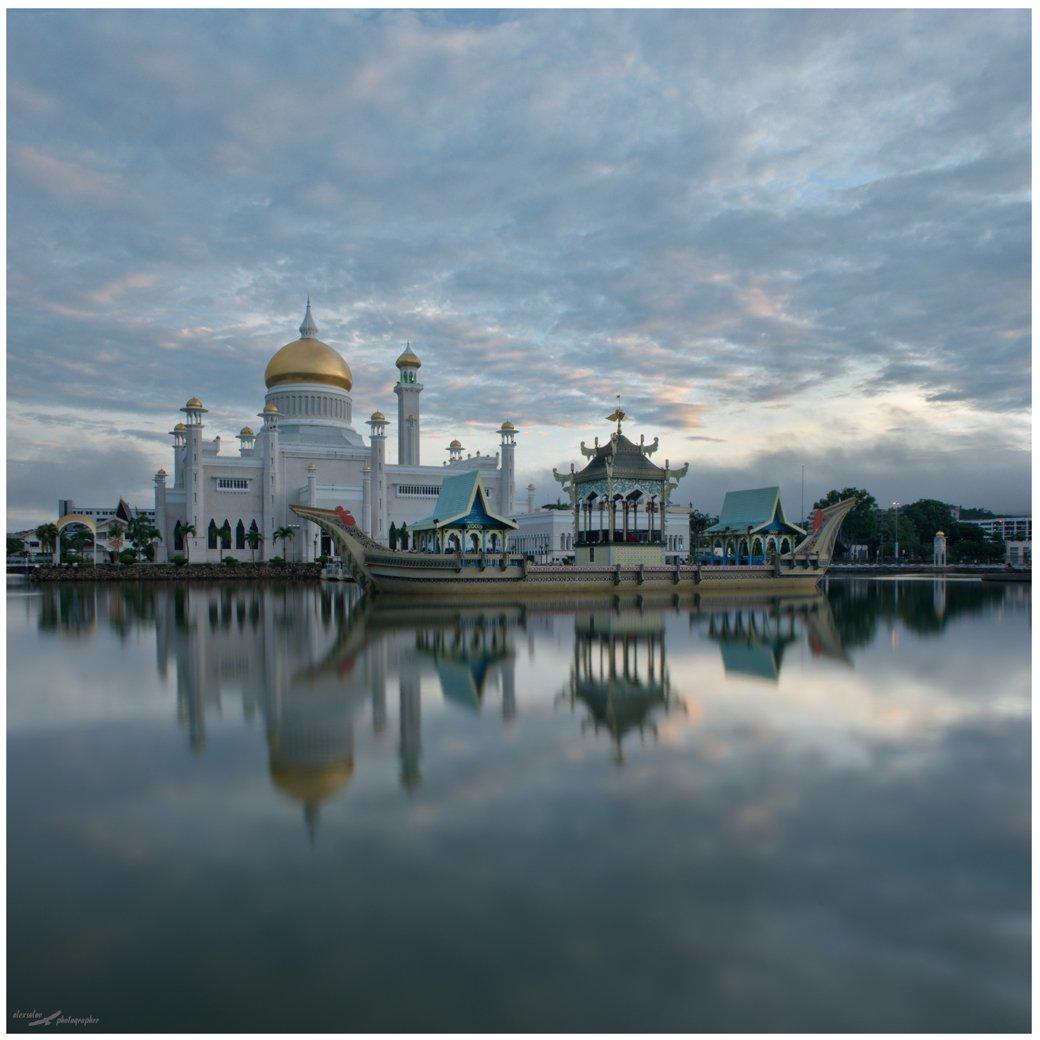 Бандар-Сери-Бегаван, Бруней, Alexander