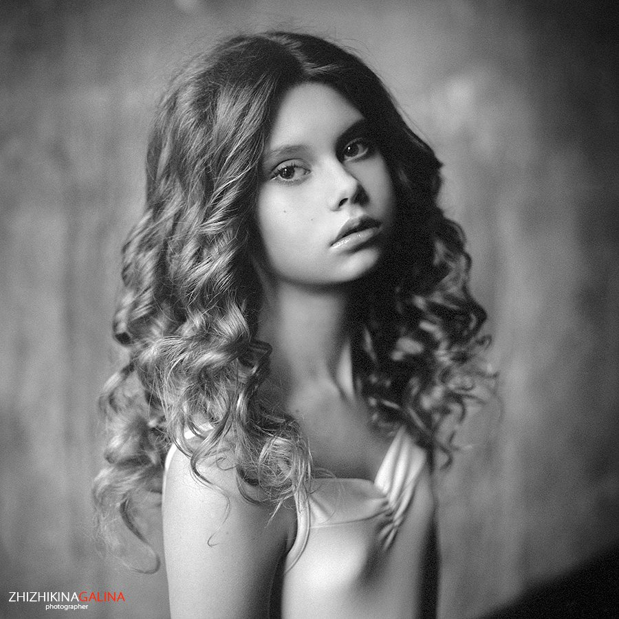 девушка, портрет, гламур, лицо, глаза, чб, черное, белое, жанр, искусство, креатив, свет, фото, фотосессия, фотография,  photo, face, photography, hasselblad, film, middle, b&w, soul, portrait, m-format, 6x6, nature, black, white, Galina Zhizhikina