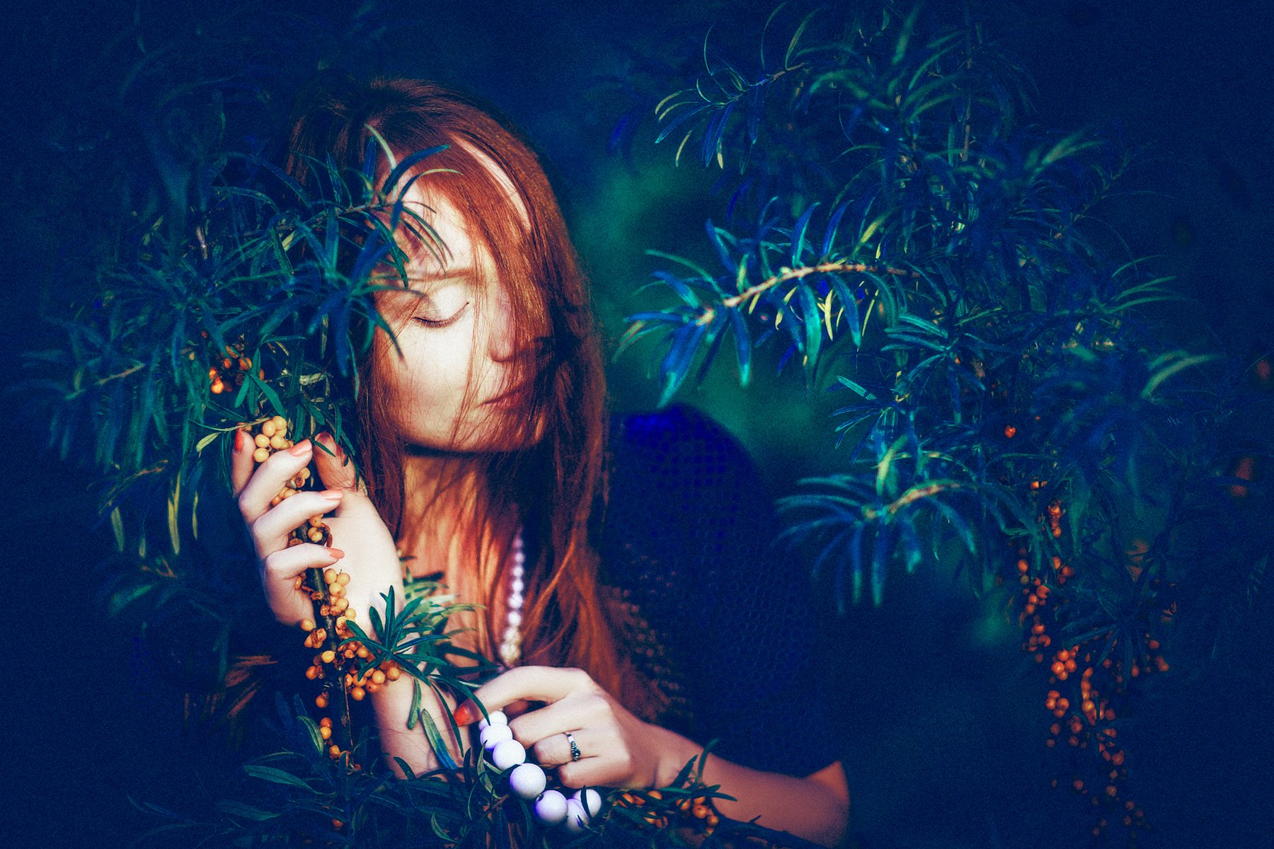 woman, portrait, redhead, beauty, berries, Руслан Болгов (Axe)