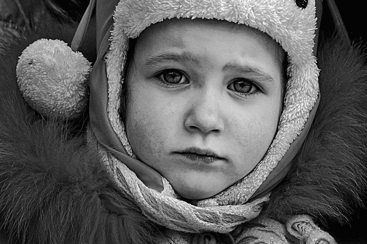 портрет, девочка, глаза, взгляд, чб, апатиты, Николай Смоляк