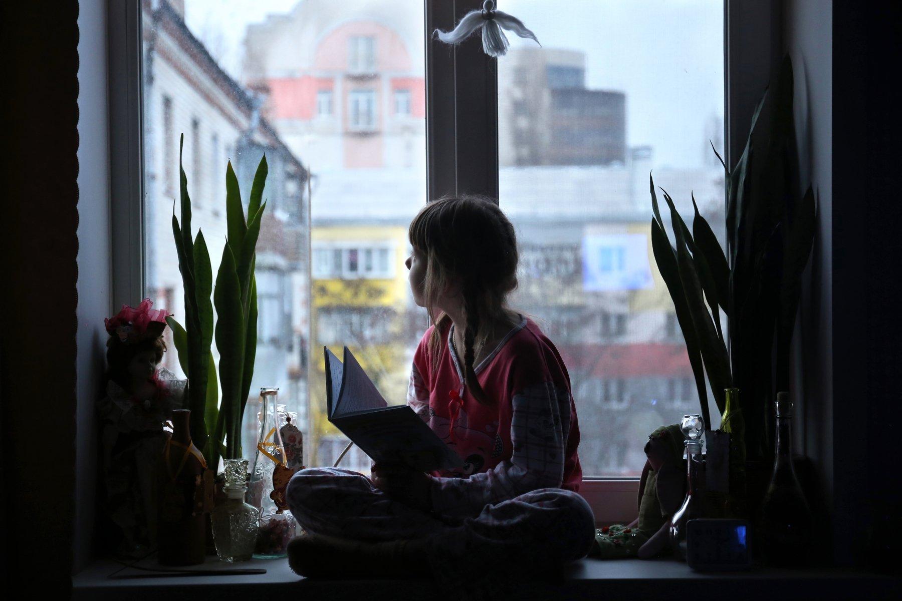 жанр, девочка ,окно, Вера Шамраева