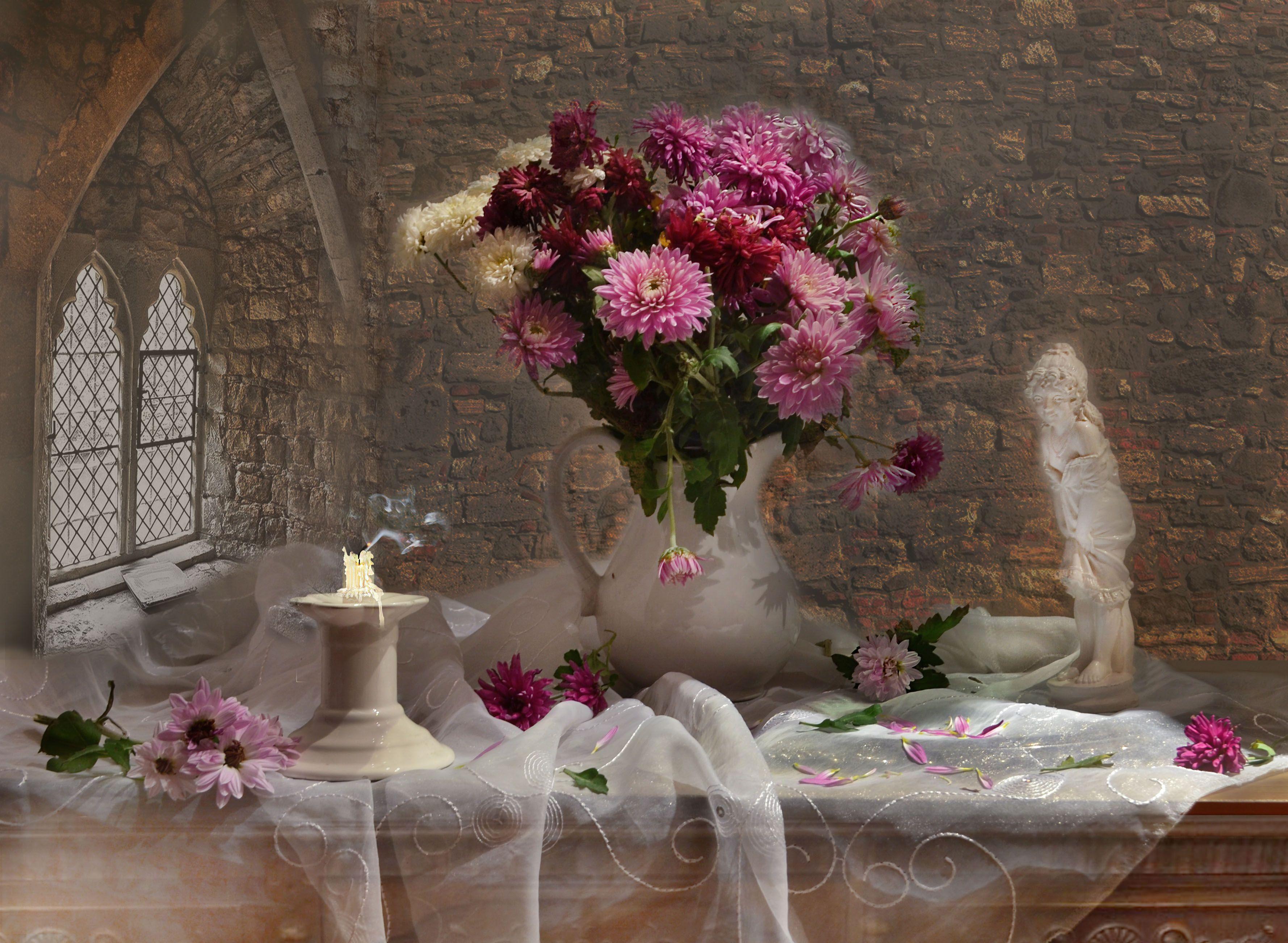 still life,натюрморт,фото натюрморт,осень, ноябрь, цветы, фарфор,хризантемы,статуэтка,  окно,  свеча, подсвечник, Колова Валентина