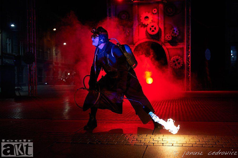 theatre,art,performance,show,happening,streetart,street,streettheatre,artist,actor,concert,fireshow,fire,industrial,, janoo
