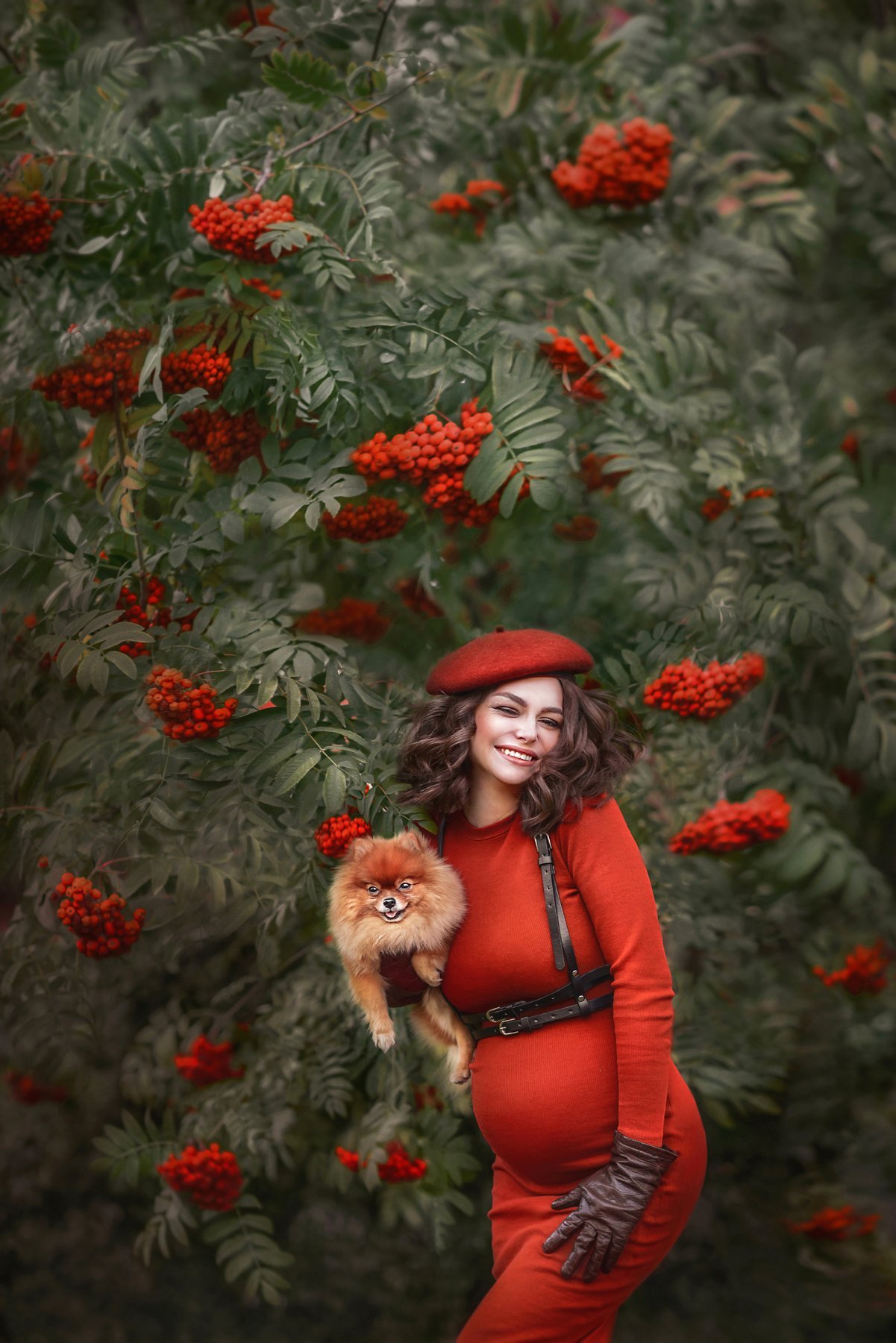 autumn, October, Rowan, pregnancy, waiting, smile, laugh, beauty, dog, beret, portrait, joy, red, pregnant, woman, beautiful girl, curls, Ilona