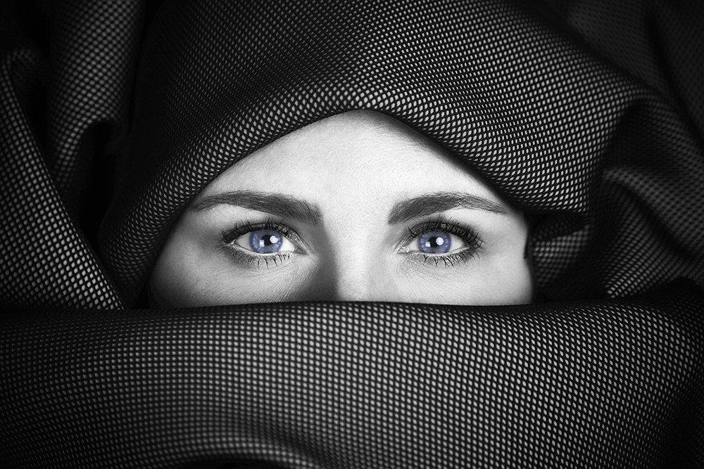 simone zeffiro italian converter sould fabric blue color portrait fashion, Simone Zeffiro