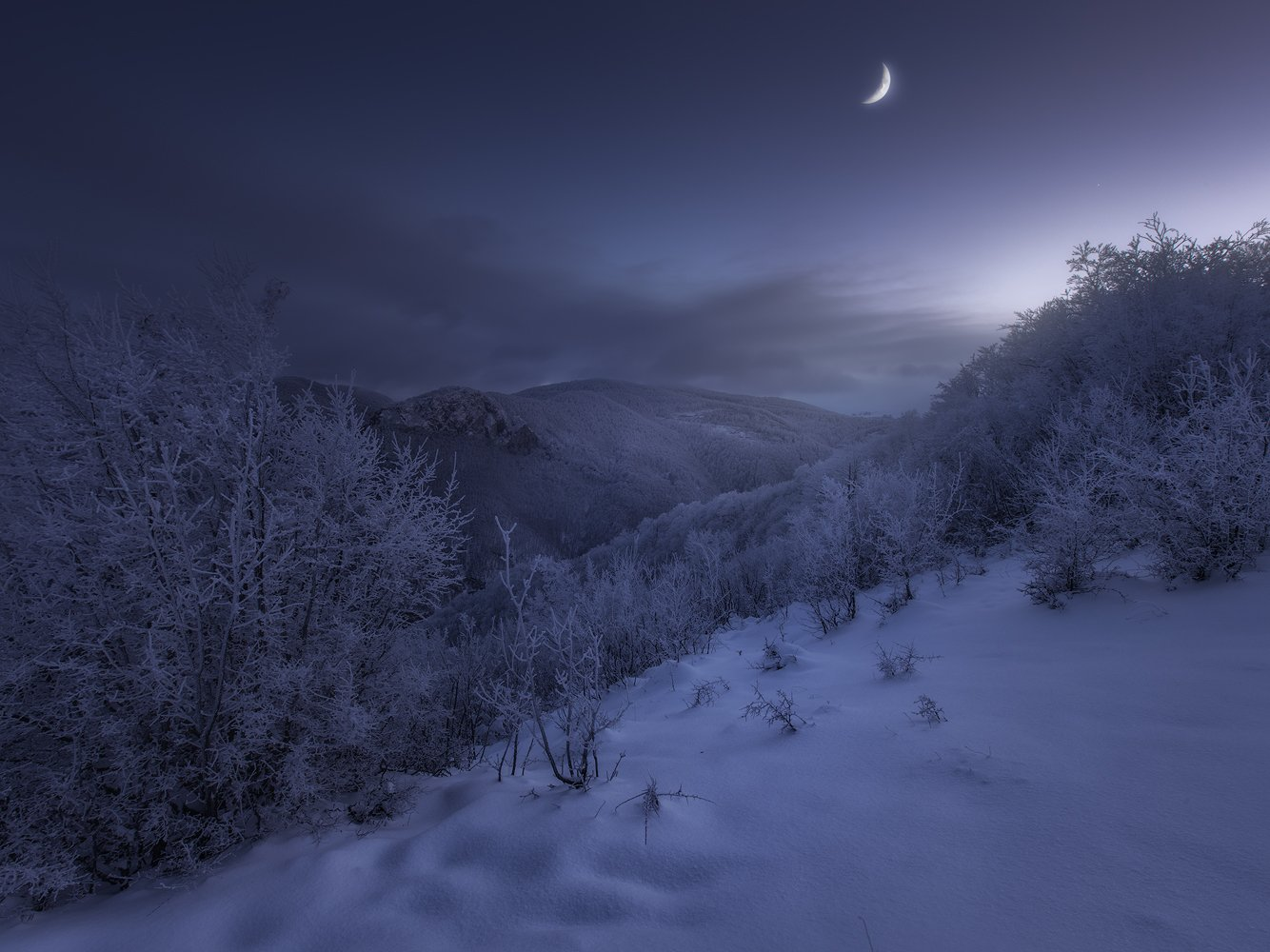 winter snow mountins moon blue hour bluehour landscape nature freezing ice, Lyuboslav