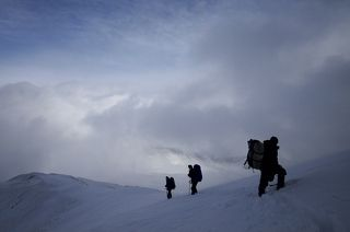 Погода нас тогда поджала... и только при спуске с горы облака резко разошлись!