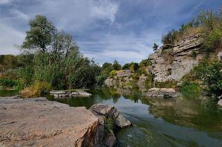 каньон в селе Буки (Украина), возраст около 2-х миллиардов лет