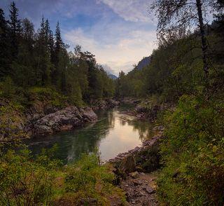 Река Кумир у Девьчьх плёсов (утро)
