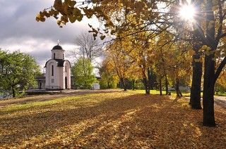 г.Псков. Осень . Ольгинская часовня.