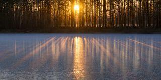 2. Свето-тени на первом льду.