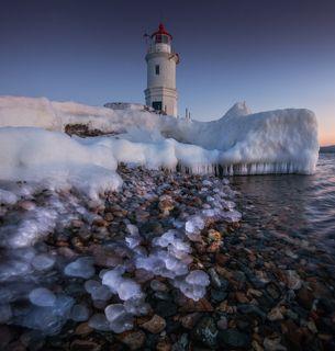 Владивосток, Токаревский маяк. Японское море.