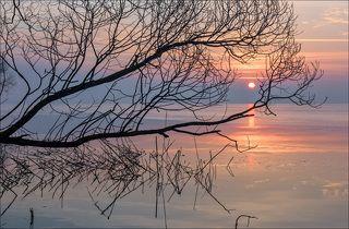 Восход над водохранилищем