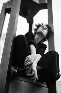 фото: Марина Щеглова в кадре: Юлия Абдель-Фаттах  #sheglovaphoto #юлияабдельфаттах #фотографмосква #фотограф #актриса #москва #портрет #bnwphoto #чбфото