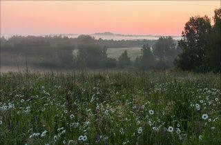 На восходе затягивает туманом