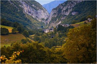 Граница между Францией и Испанией. Дорога через Пиренеи. Потрясающие по красоте места.