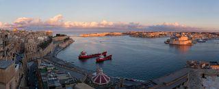 Вид на веченюю Валлетту, столицу Мальты