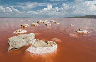 Соленое озеро на керченском полуострове