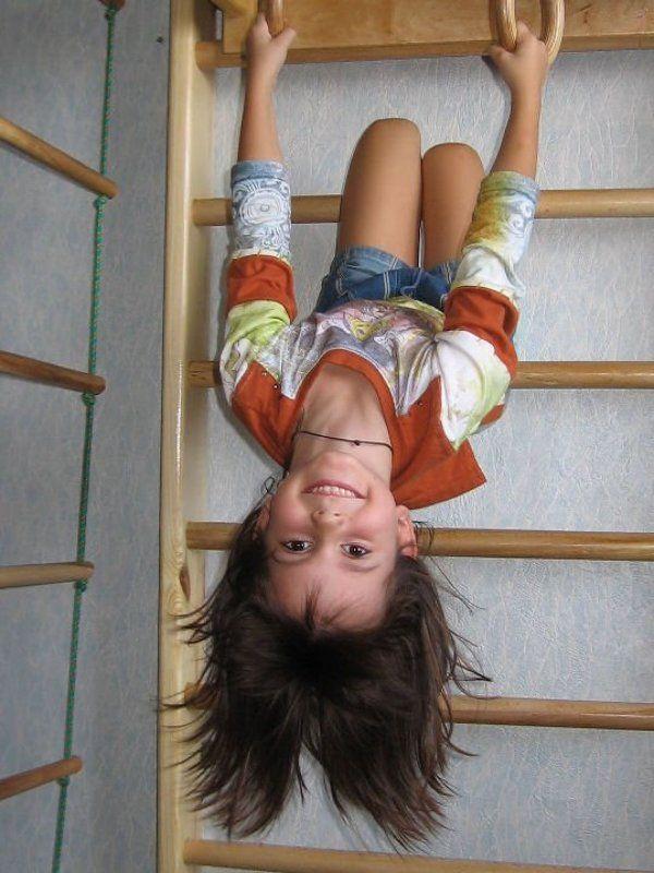 дети, взгляд, вверх тормашками Собственный взгляд на мирphoto preview