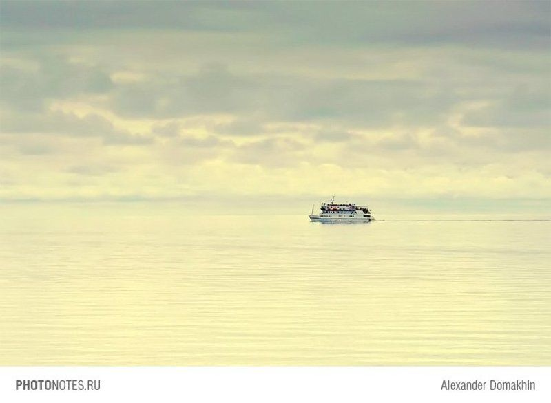 море, небо, жанр, штиль, Геленджик, Кубань, PHOTONOTES.RU Одинокий странникphoto preview