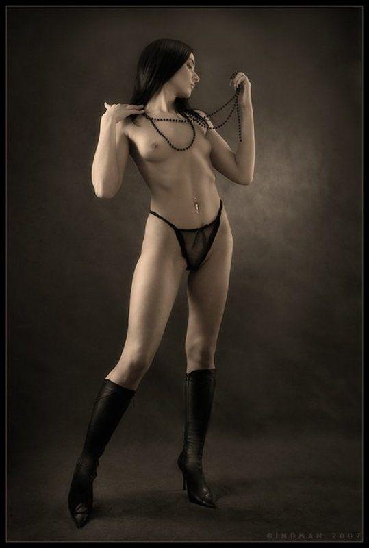 девушка, сапожки, бусики, ню, и, черные, трусики... ...про сапожки, бусики и черные трусики...photo preview