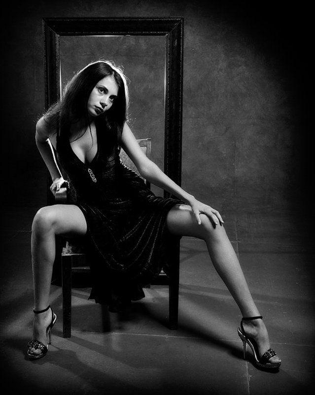 девушка,кресло,свет,ночь Ночь - твоя...photo preview
