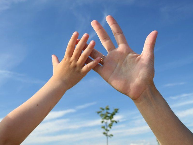 мама, сын, рука, небо семейнаяphoto preview