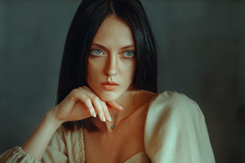 портрет девушка Катяphoto preview