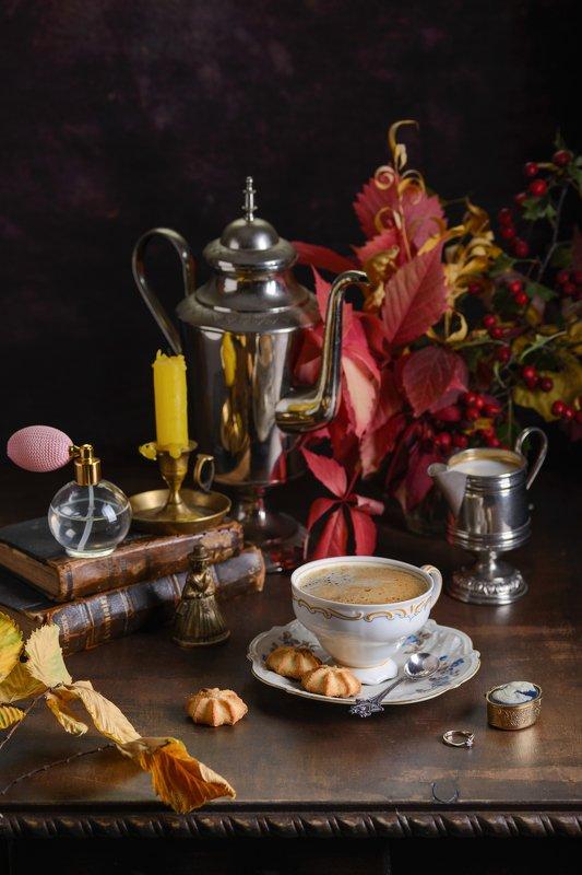 осень, кофе, листья Осенний кофе с женским характеромphoto preview