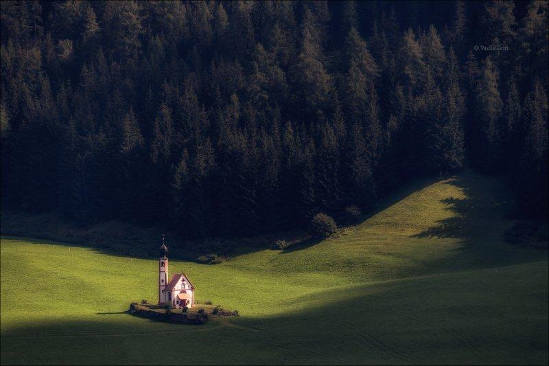 доломитовые альпы,santa maddalena,деревня,val di funes,осень,odle,италия,alps,ranui,san giovanni,церквушка Место,где светphoto preview