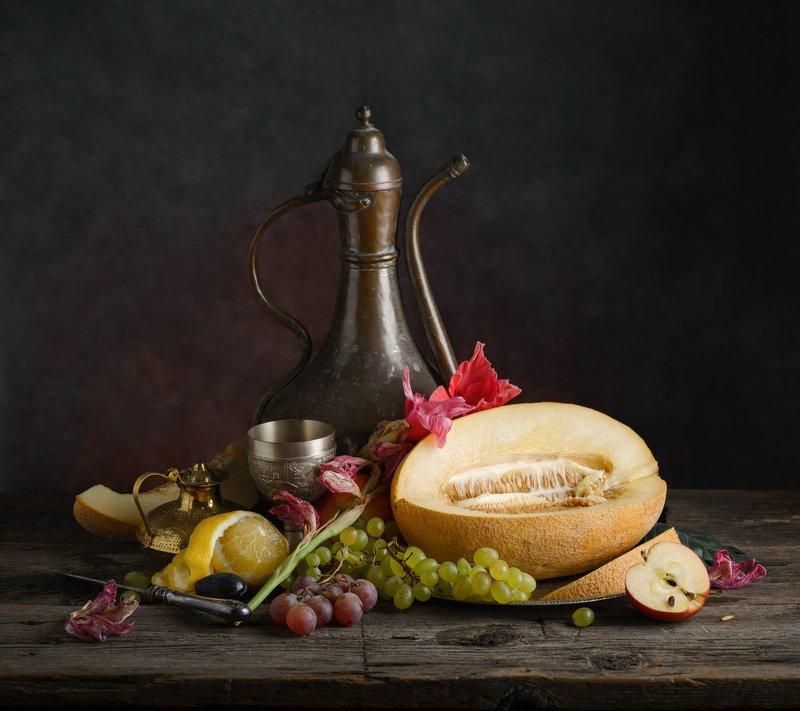 дыня, виноград, лимон, кумган Дынно-виноградный натюрмортphoto preview