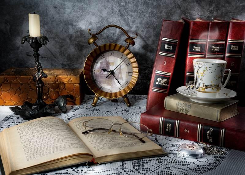 Книжный натюрмортphoto preview