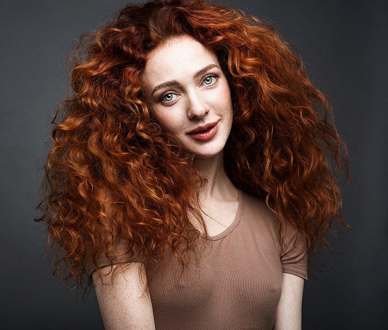 девушка, портрет,  рыжая, кудри, глаза Катяphoto preview