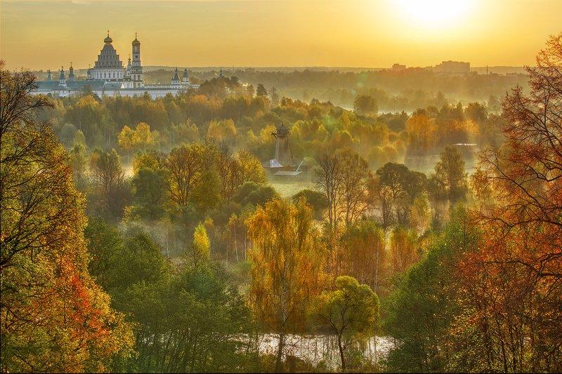 пейзаж, истра, новоиерусалим, утро, восход, осень, тепло Солнечное утро в Истреphoto preview
