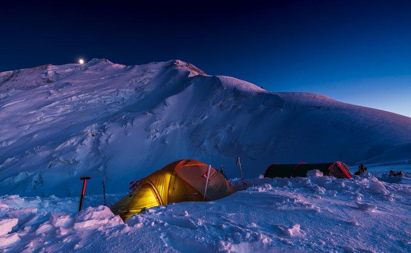 тянь-шань, горы, мраморная стен, ночь, луна, лагерь, баянкол Восход луны над пиком Мраморная Стена (6231м)photo preview