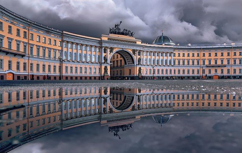 город,площадь,архитектура,дождь,лужи,свет,блики,отражения После дождя.photo preview