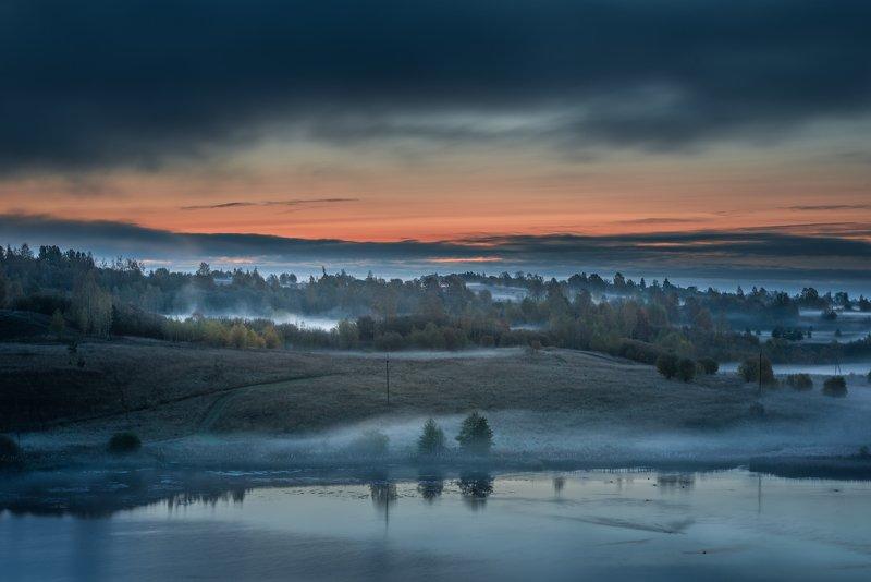 октябрь, утро, озеро, туман, псковская область, Неласковое утроphoto preview