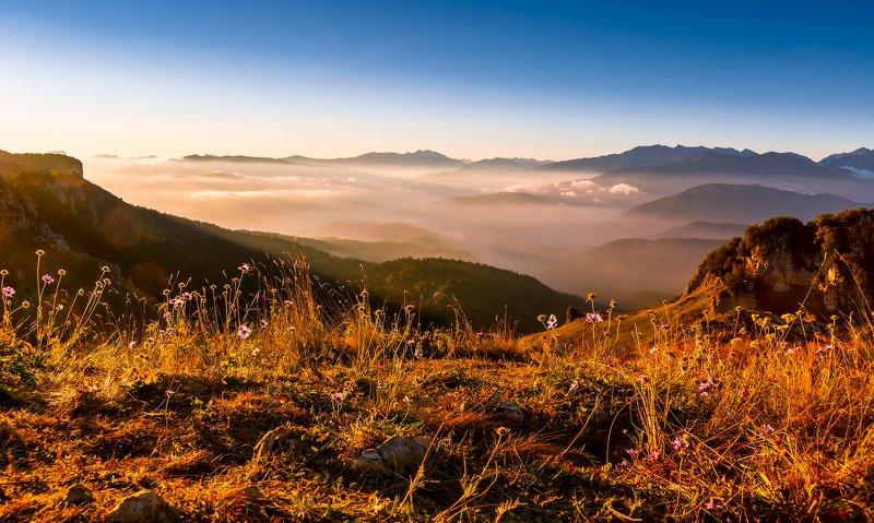 Созерцая осень на хребтах...photo preview