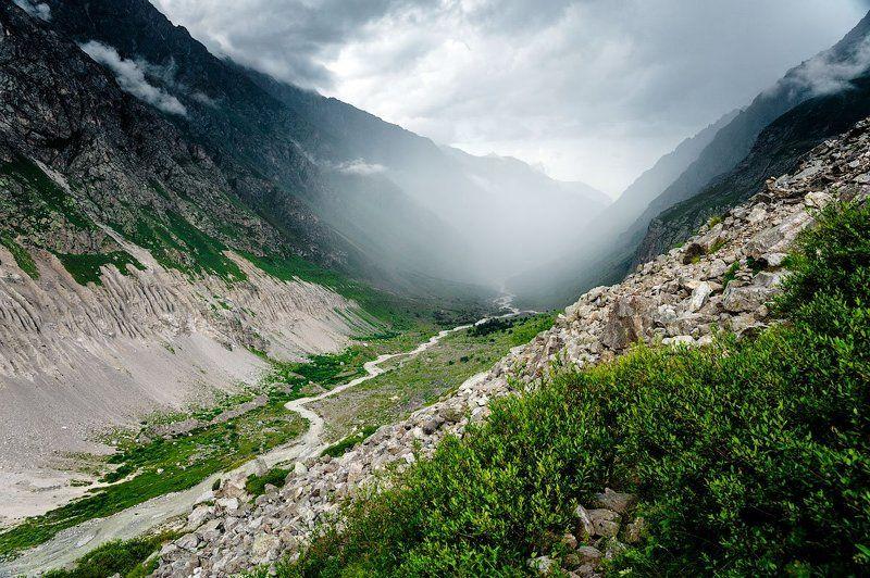 кавказ, горы, ущелье По ущельям крадётся...photo preview