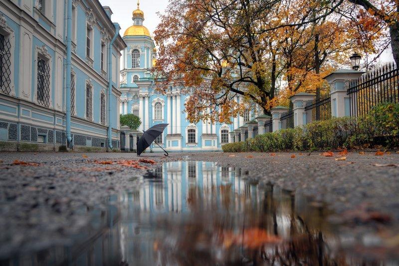 Октябрь. Санкт-Петербург. У Морского собораphoto preview