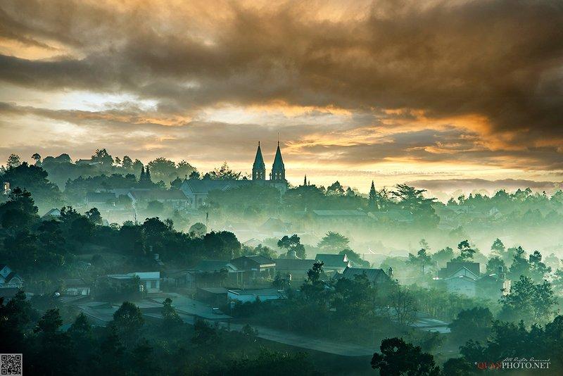 quanphoto, landscape, nature, morning, sunrise, dawn, foggy, misty, church, vietnam Morning Churchphoto preview