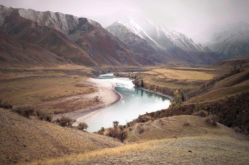природа  алтай горы облака пейзаж путешествие тени  утро туман река катунь инегень Заснеженный Инегеньphoto preview