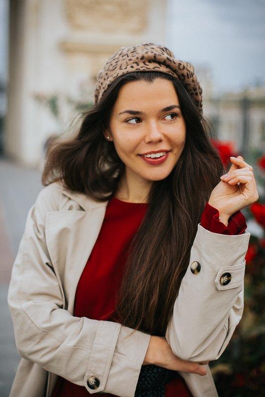 девушка,портрет,улица,волосы,ветер,атмосфера, берет,француженка, красный, серия, пленка, la france, street Маринаphoto preview