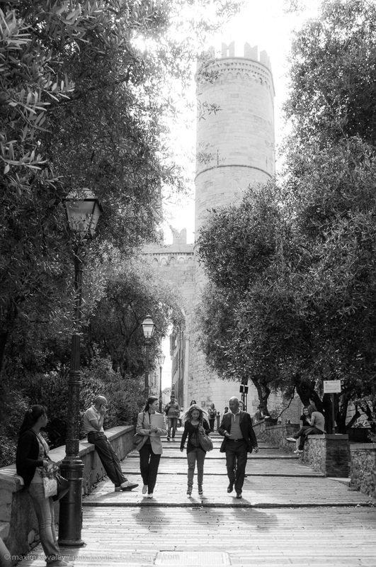 europe, genoa, genova, italy, architecture, city, gate, summer, генуя, европа, италия, архитектура, ворота, город, лето, porta soprana Лето в Генуе / Summer in Genoaphoto preview